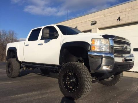 2007 Chevrolet Silverado 2500 Lifted truck for sale