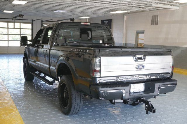 Monster 2014 Ford F-350 Lariat Super Duty