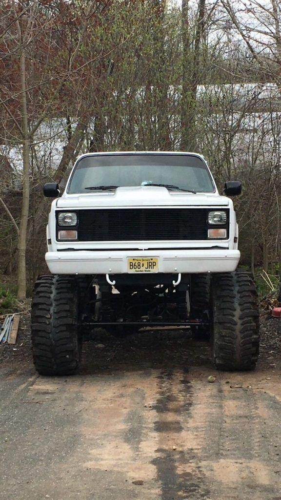 vintage 1984 Chevrolet C/K Pickup 2500 monster truck