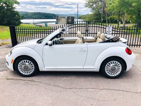 2013 Volkswagen Beetle New 2.5L Convertible for sale