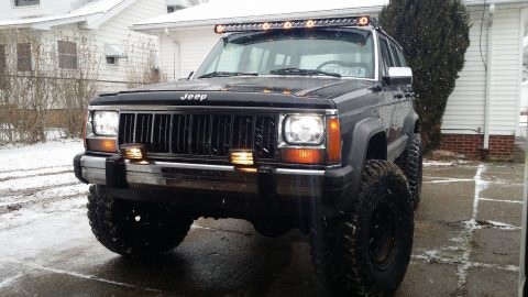 works perfectly 1990 Jeep Cherokee Laredo monster for sale