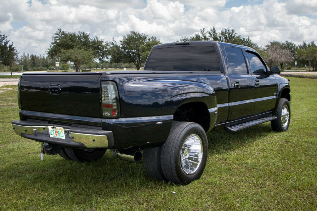 awesome 2001 Chevrolet Silverado 3500 HD Dually monster
