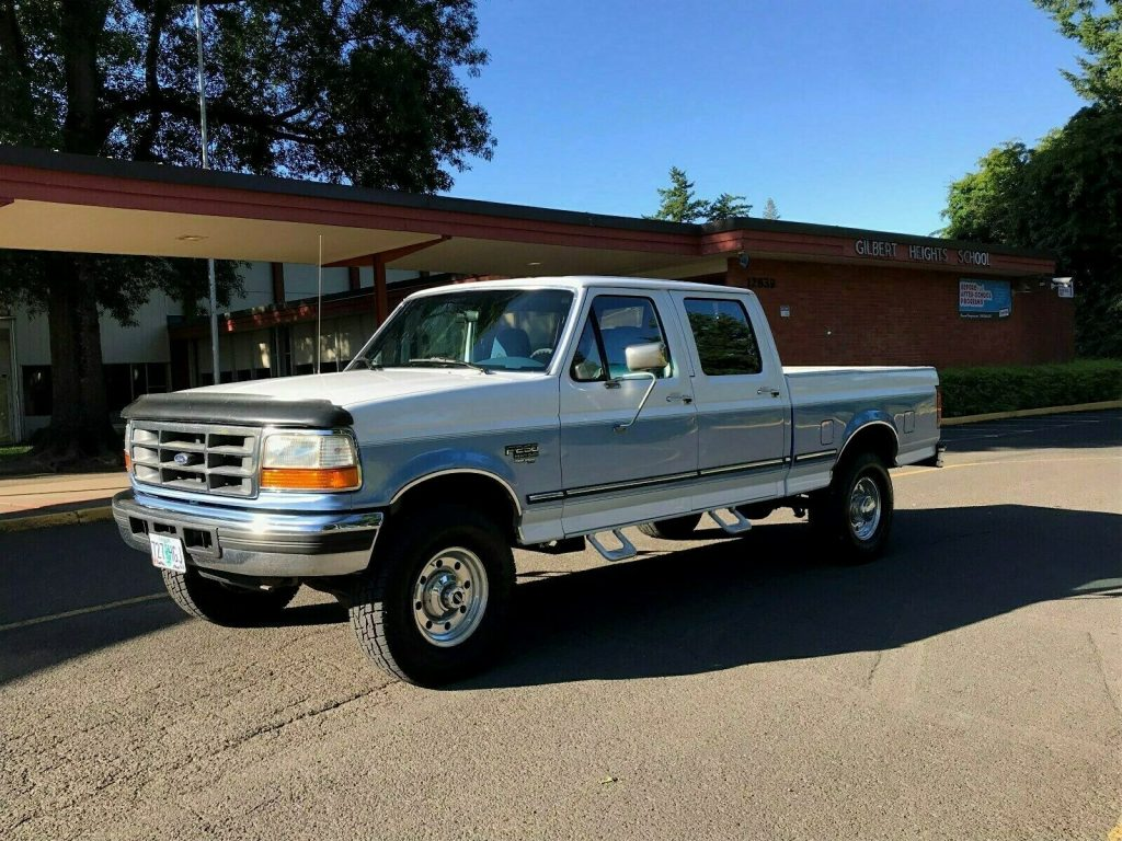 well maintained 1997 Ford F 250 XLT HD monster