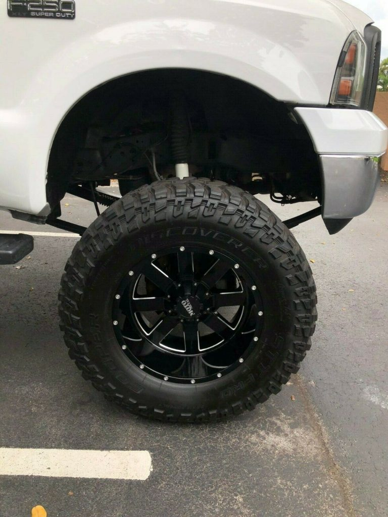 brand new parts 2004 Ford F 250 XLT monster